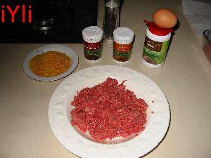 136-3683_IMG preparing meatballs